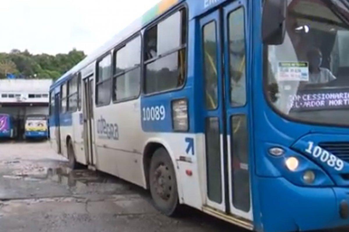 [Trio é preso após furtar ônibus em Salvador]