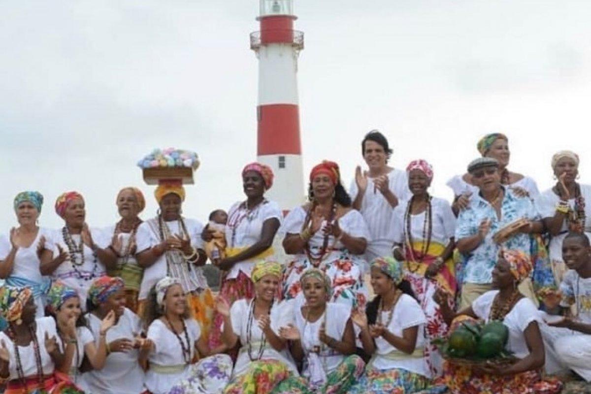['Ganhadeiras de Itapuã' será tema de samba-enredo da escola de samba Viradouro ]