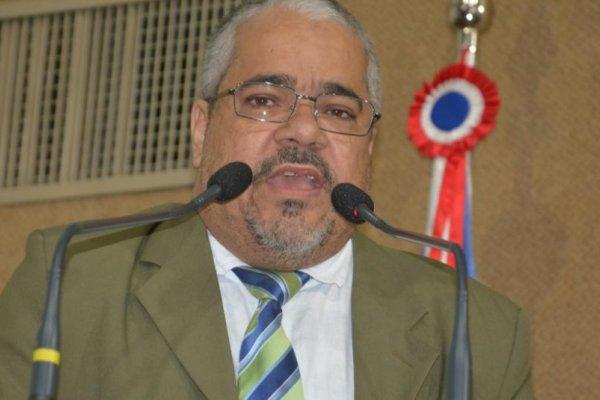 [Deputado sugere tornar obrigatória a vacinação de servidores públicos na Bahia]