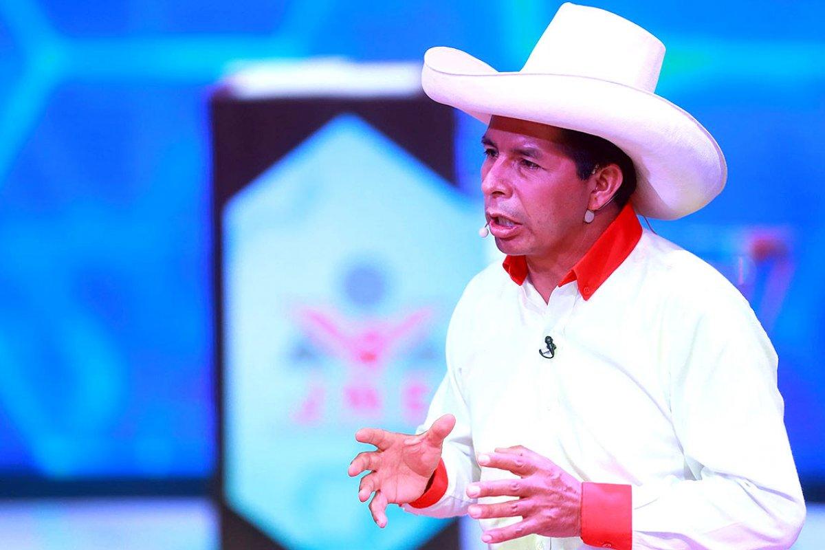 [Castilho assume presidência do Peru e defende país sem corrupção]