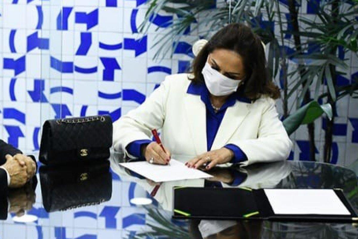 [Eliane Nogueira toma posse como senadora após nomeação de Ciro Nogueira na Casa Civil]