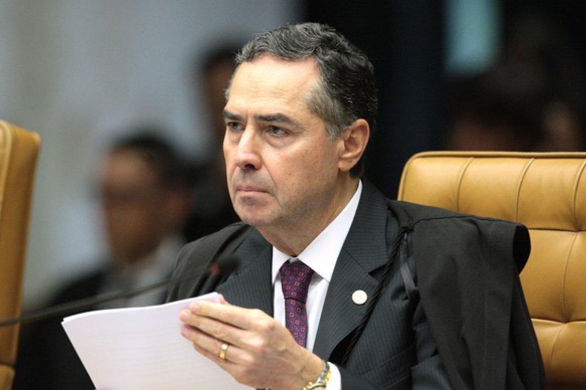 [Barroso admite aumentar número de urnas sorteadas para auditoria na eleição do ano que vem, diz colunista]