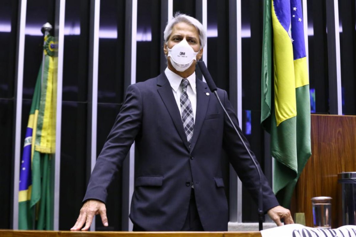 [Podcast: O Lado B de Brasília: Alessandro Molon]