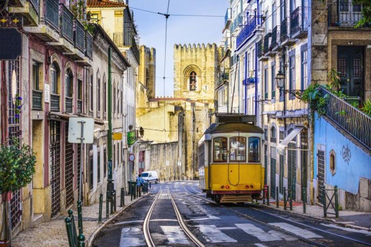 [Após reabertura das fronteiras, companhia aérea de Portugal registra aumento na busca por passagens]