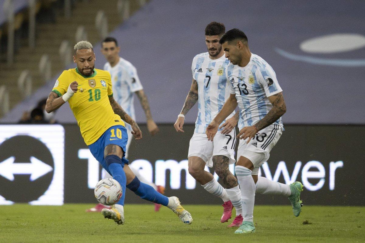 [Sem clima de revanche, Brasil e Argentina se enfrentam neste domingo (5)]