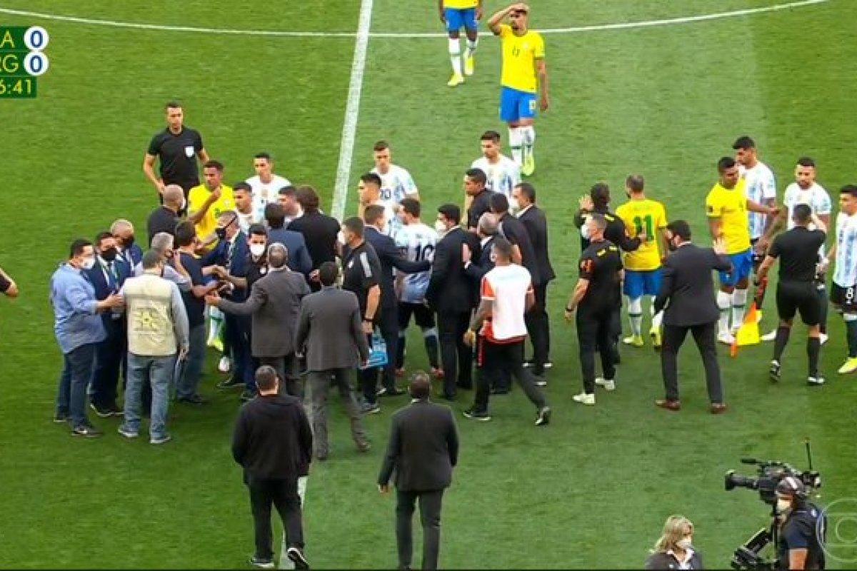 [Conmebol suspende partida entre Brasil e Argentina; Fifa adotará os próximos passos]