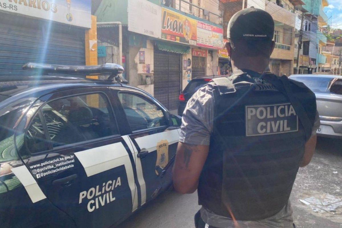 [Corpo com marca de tiros é encontrado no bairro do Rio Sena, em Salvador]