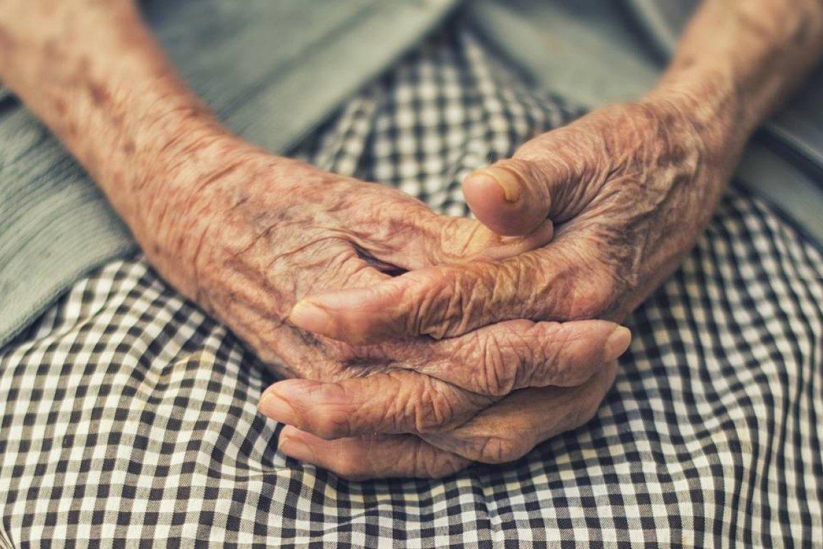[Estudo aponta que proteína do fígado pode ter papel importante na origem do Alzheimer]
