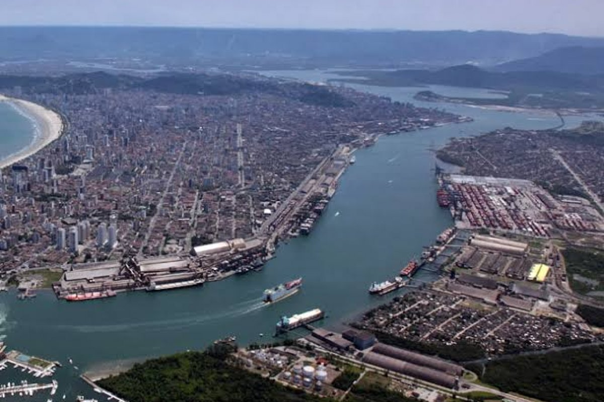 [Região portuária de Santos, uma nova Beirute?]