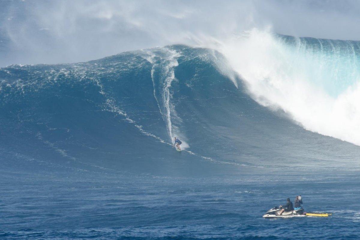 [Cinco brasileiros concorrem ao 'Oscar' das ondas grandes no surfe ]