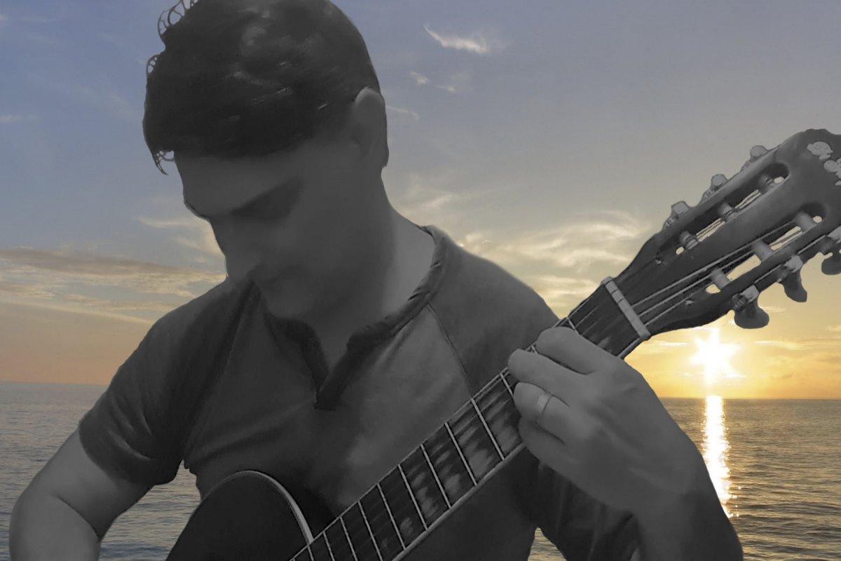 """[Com reflexões sobre o tempo e o amor em meio à pandemia,RogérioCantolança o seu primeiro álbum, """"Tempo""""]"""