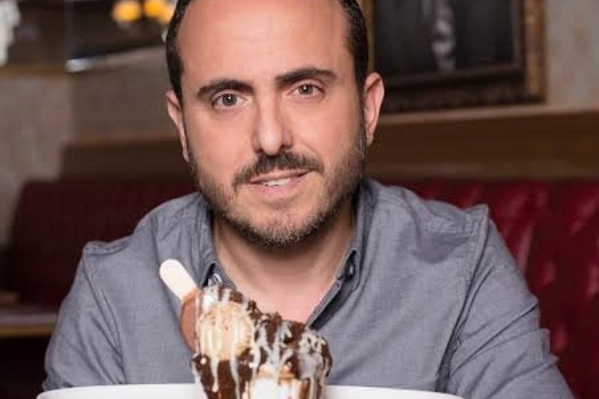 [Dono da badalada rede de restaurantes Paris 6 briga na Justiça com Marília Gabriela]