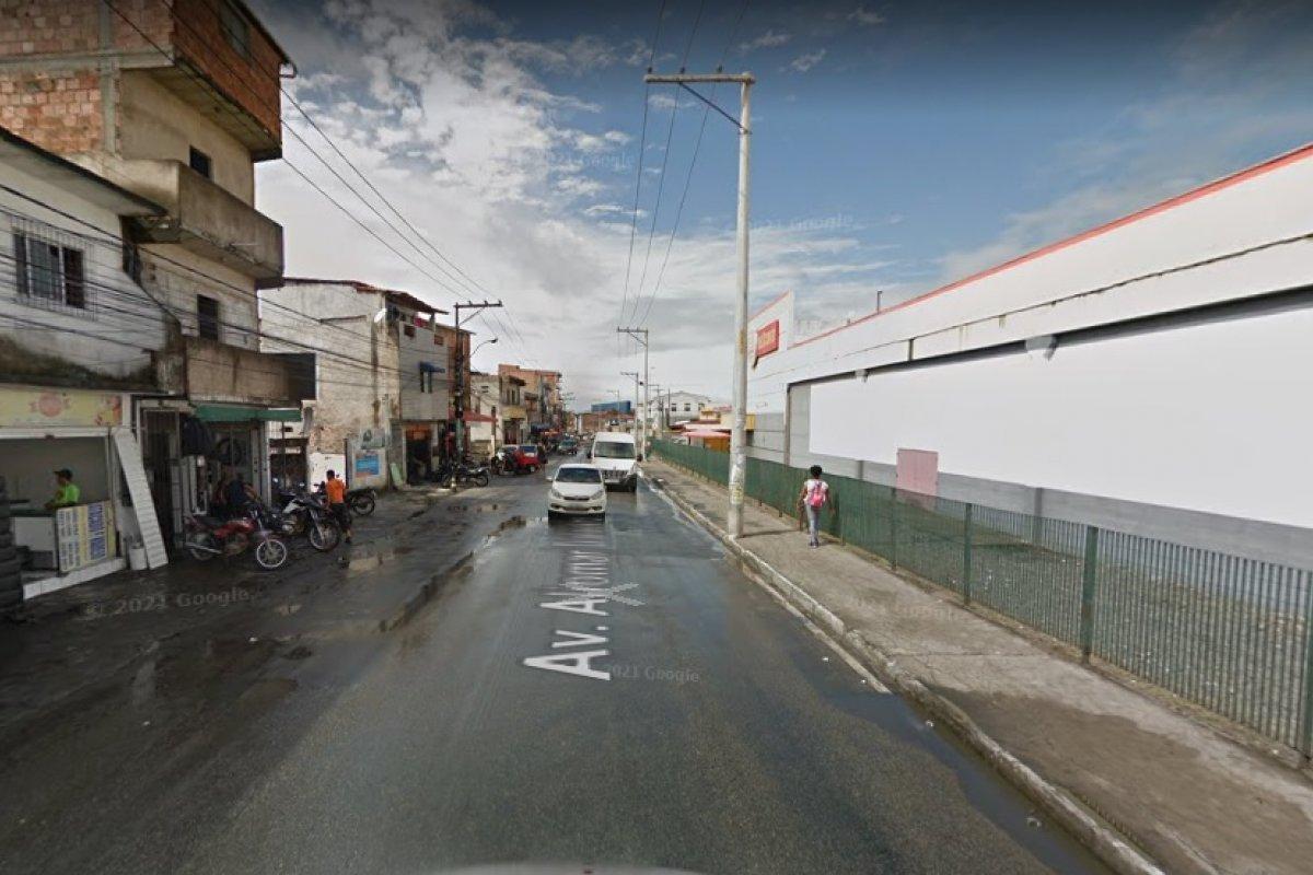 [Cabo da PM morre em acidente de moto na Avenida Aliomar Baleeiro, em Salvador]