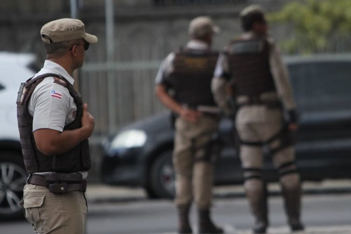 [Dupla é presa após tiroteio no bairro de Pero Vaz, em Salvador]