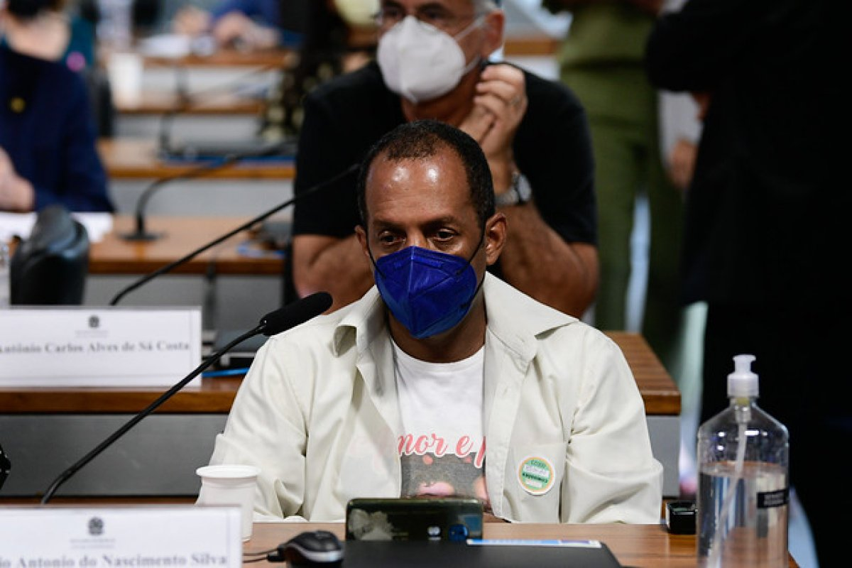 ['Não é mimimi', diz à CPI da Pandemia um pai que perdeu filho para a Covid-19]