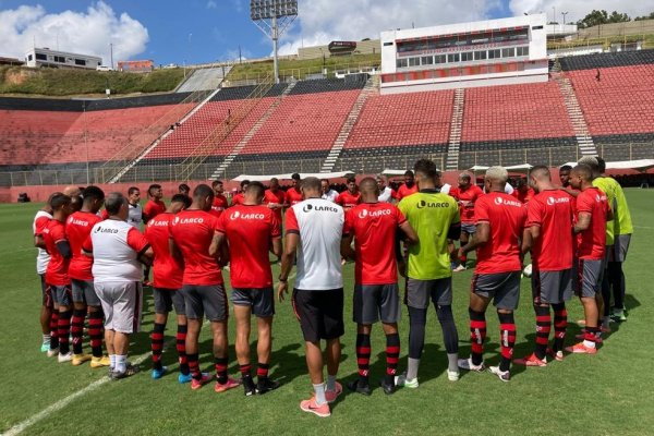 [Com volta da torcida no Barradão, Vitória busca classificação na pré-Copa do Nordeste]